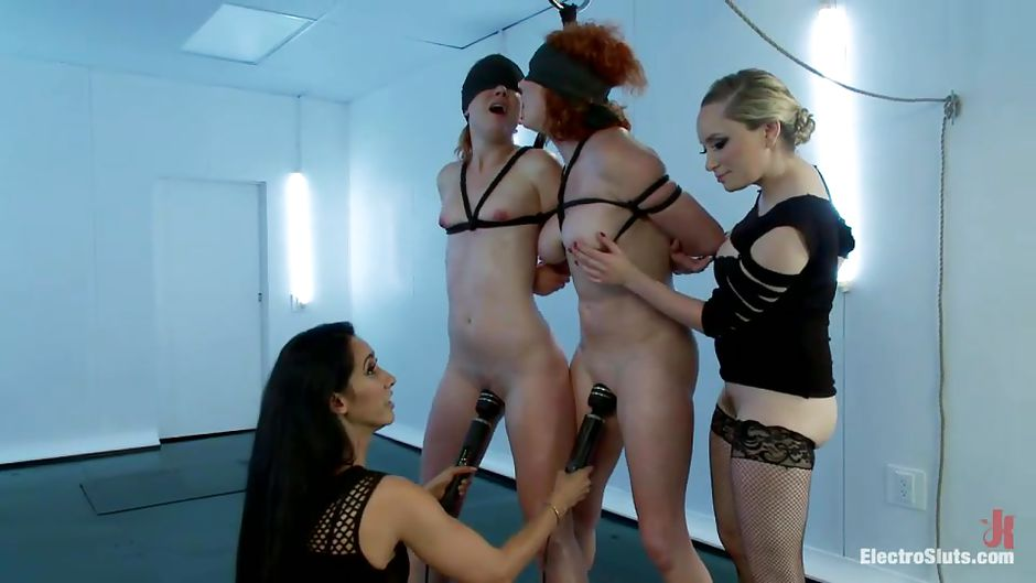 Maybell recommends Midget shared fingering domination