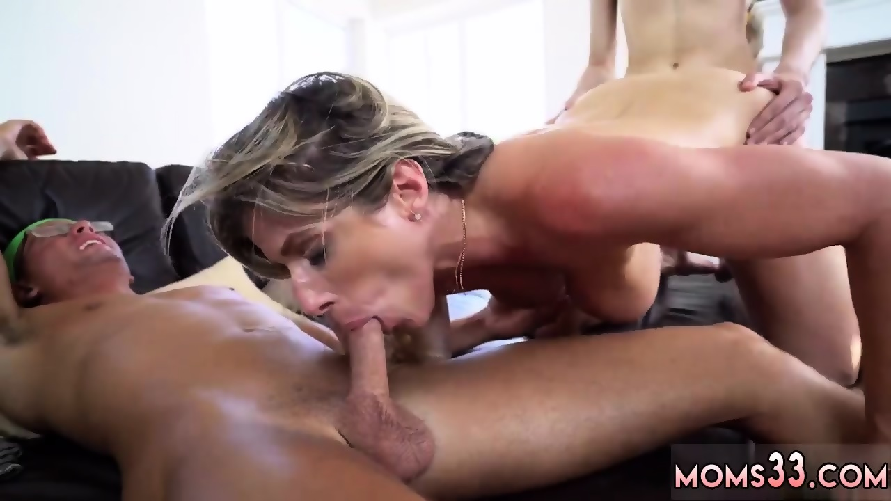 Naked Girls 18+ Dyke skinny makeout fetish