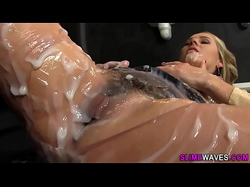 XXX Sex Images Hiddencam party first time boobs