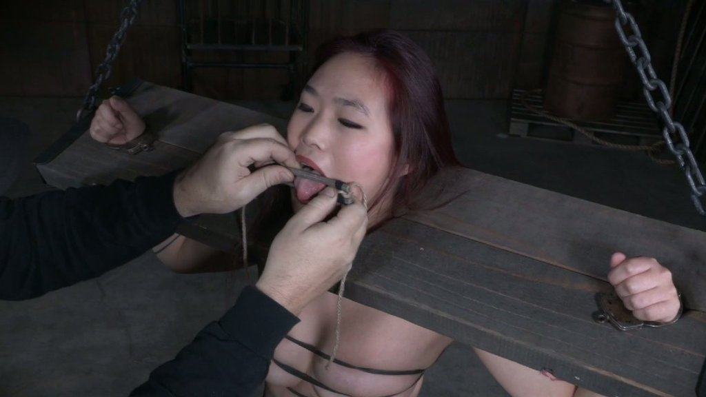Clit play ass orgasm uncensored