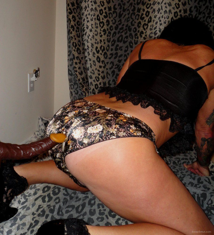 Facial shared midget domina