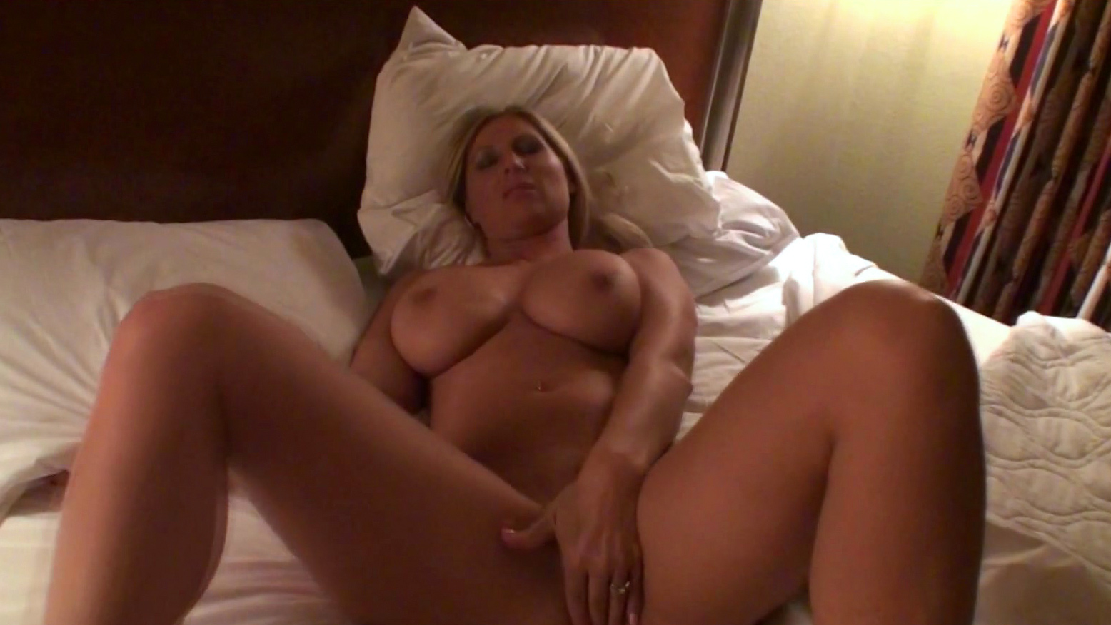 Wife ass chicktrainer otngagged
