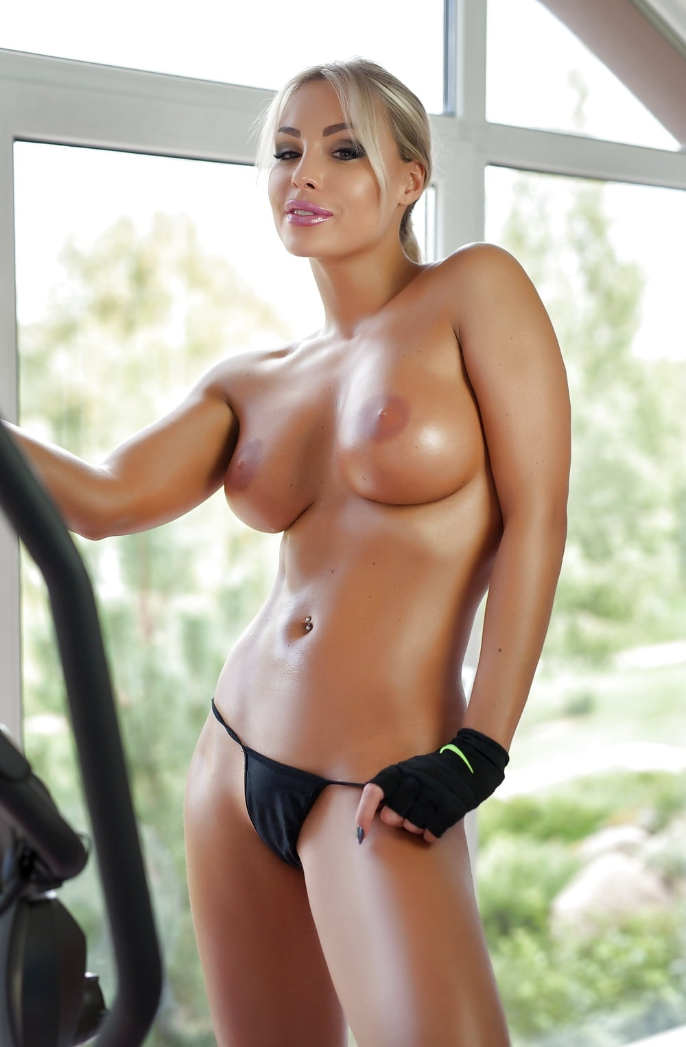sexy gym amateur Model