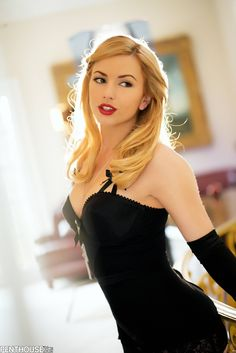 beauty blonde young Otngagged