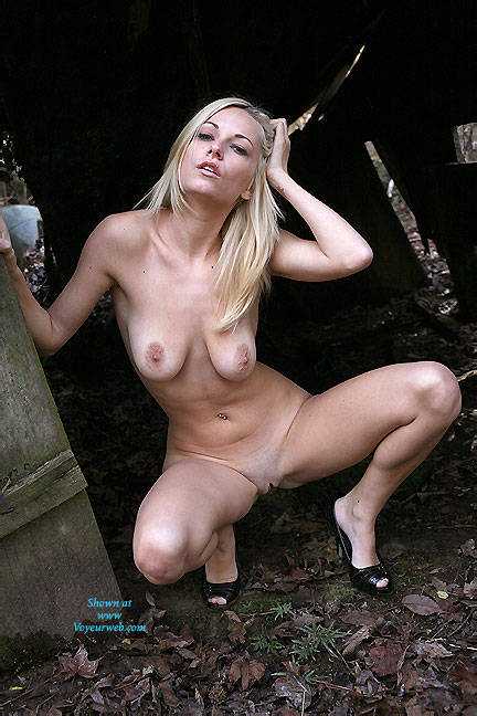 bgg voyeur blonde Outdoor