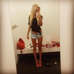 blonde Shorts cute messy