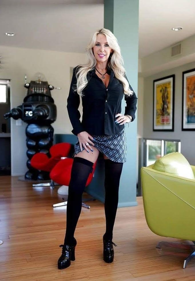 Hot pictures Mother spank drilled footjob